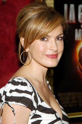 Premiere: Mariska Hargitay at the New York premiere of Paramount Pictures' War of the Worlds - 6/23/2005