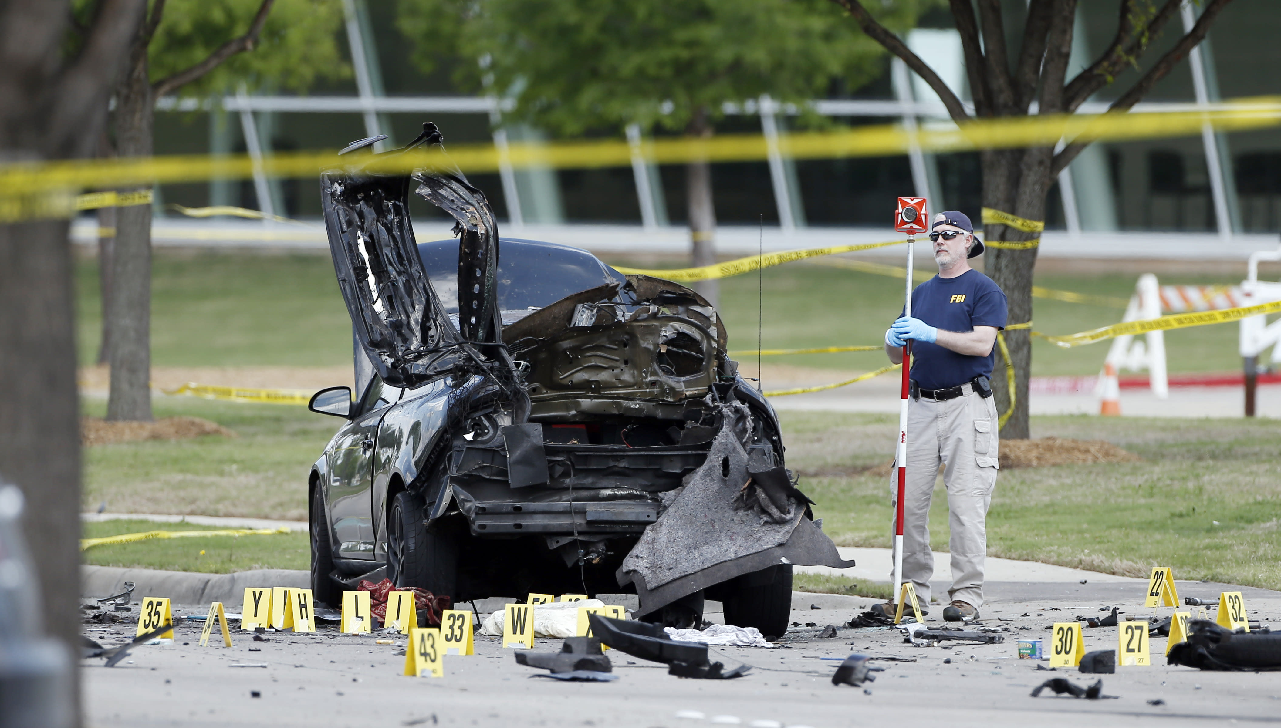 IS claims responsibility for Texas cartoon attack