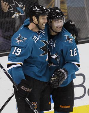 Sharks sign Thornton, Marleau to 3-year extensions