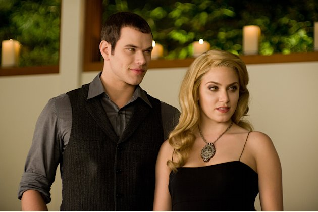 Twilight Saga New Moon Summit Production Photos 2010 Kellan Lutz Nikki Reed