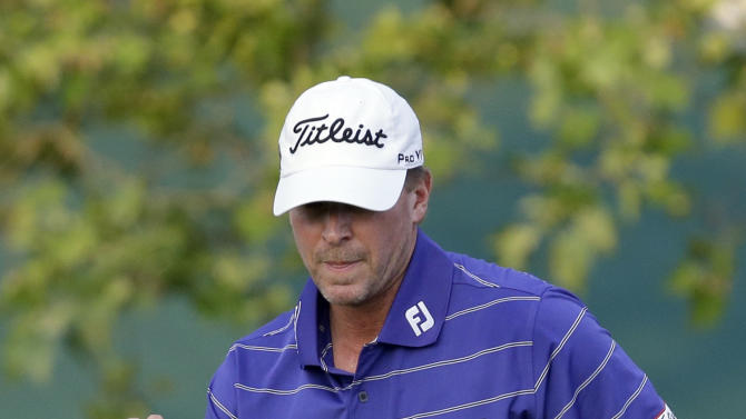 Steve Stricker reacts after putting on the 18th hole during the third round of the U.S. Open golf tournament at Merion Golf Club, Saturday, June 15, 2013, in Ardmore, Pa. (AP Photo/Morry Gash)