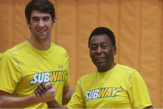 "SAO PAULO, Dec. 5, 2013 (Xinhua/IANS) -- U.S. former olympic swimmer, Michael Phelps (L), and former Brazilian soccer player, Edson Arantes do Nascimiento ""Pele"" (R), participate during a pr"