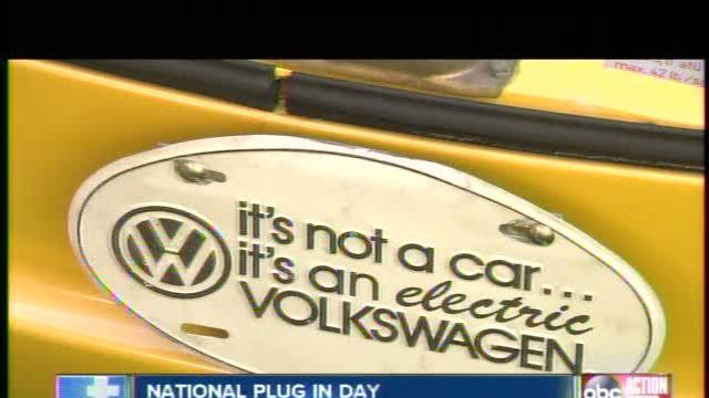 Car Owners Celebrate National Plug In Day