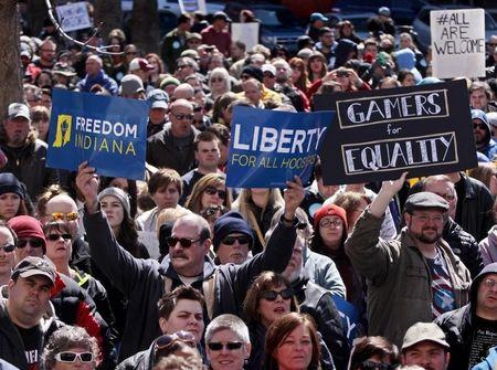 Indiana lawmakers pledge to clarify religious freedom bill