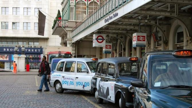 London's black cabs to accept contactless payments next year