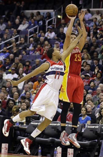 Wizards fend off Rockets' 3s for 105-103 win