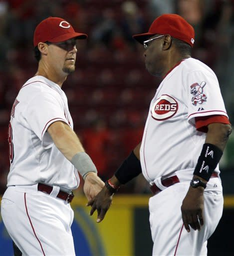 Reds get 1st win without Votto, 4-0 over Dbacks