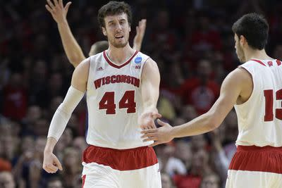 Arizona vs. Wisconsin 2015 final score: Badgers advance to Final Four with 85-78 win over Wildcats