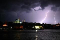 Turkish FinMin soothes investor fears amid crisis