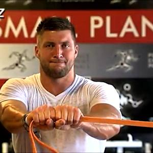 Tim Tebow works out in hopes of a comeback