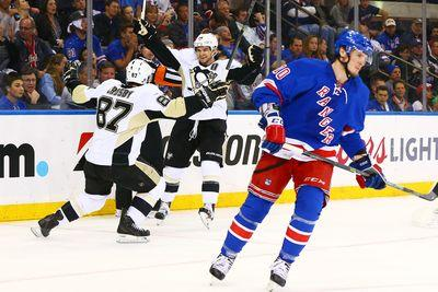 NHL playoffs 2015: Lightning knock off Red Wings, Penguins pull even with Rangers