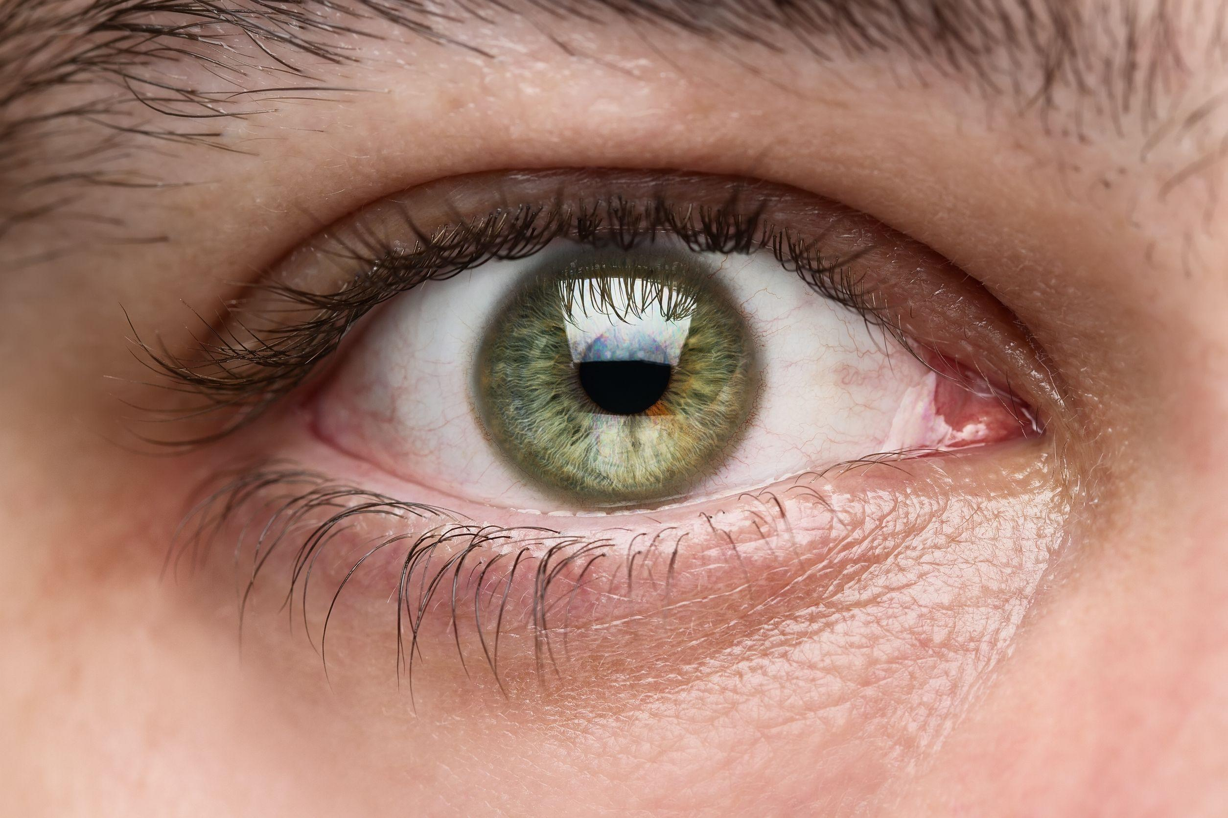 This may sting: Google's new patent describes a smart lens injected right into your eyeball