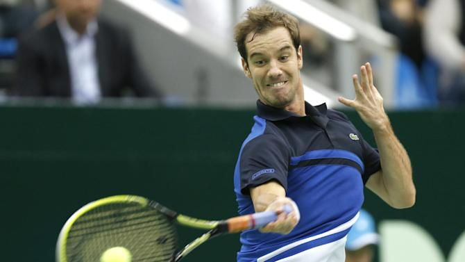 Federer helped by Gasquet's loss at Swiss Indoors