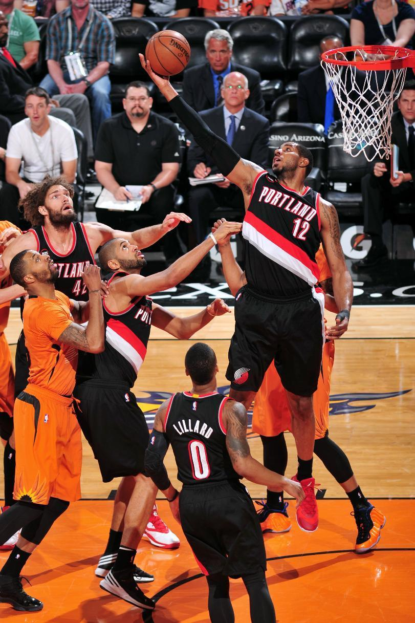 Aldridge leads Trail Blazers to 87-81 win over Suns
