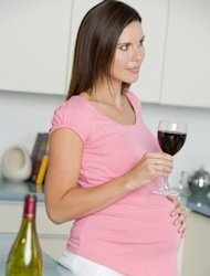 Light drinking during pregnancy isn't harmful: study