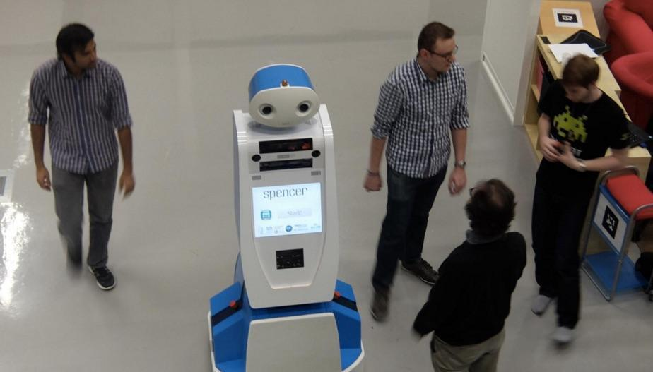 Airport Has Robot Direct Lost Passengers