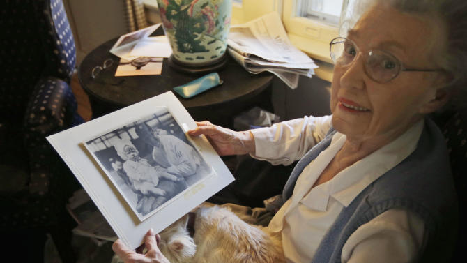 Walter Johnson's family puts items up for auction