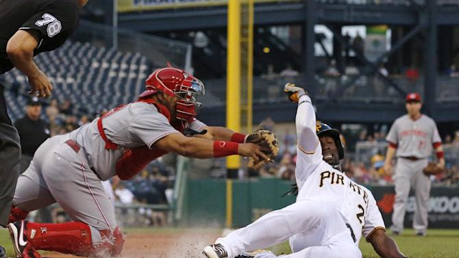 Frazier's homer in 9th lifts Reds over Pirates 6-5