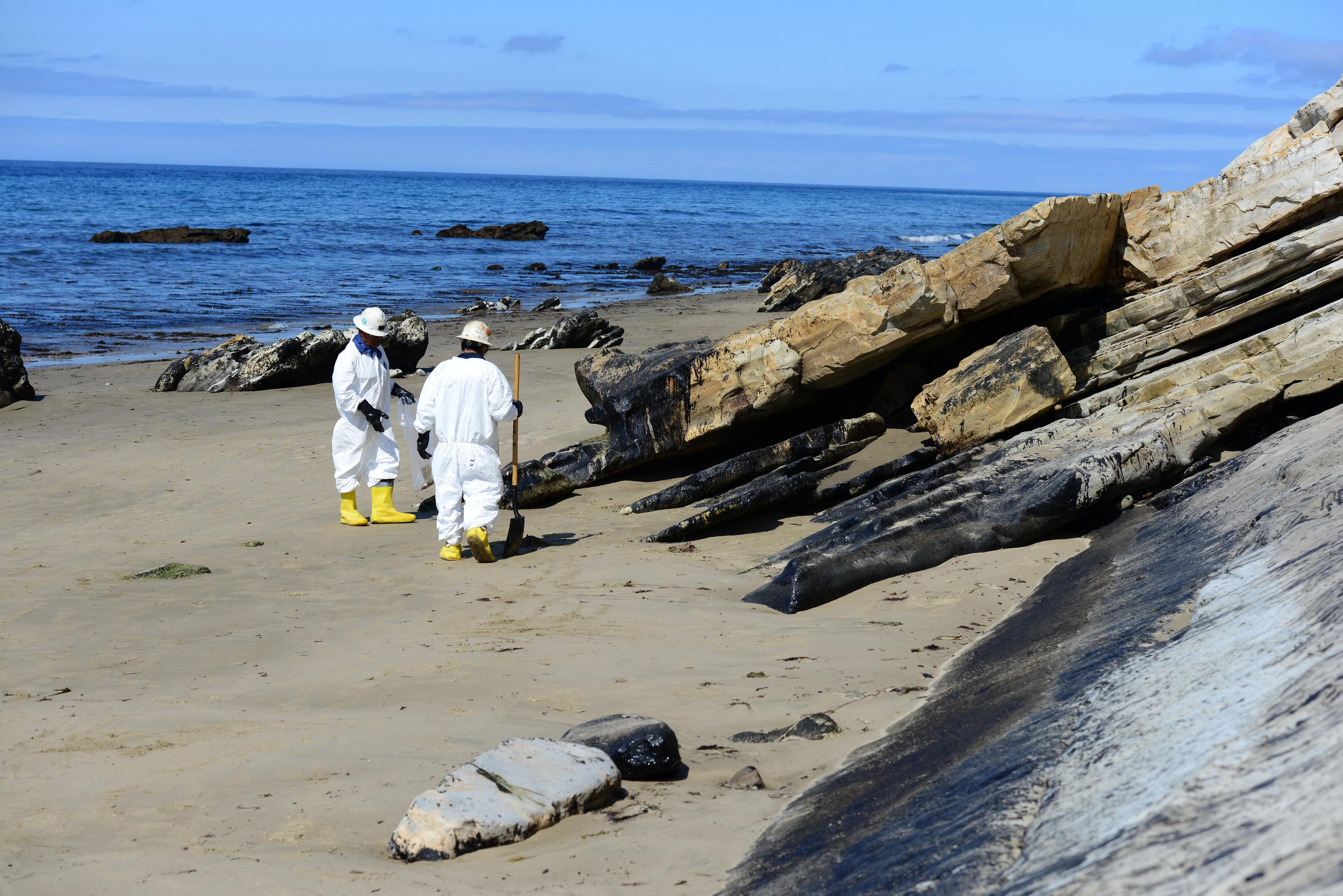 Company lowers worst-case scenario for California oil spill