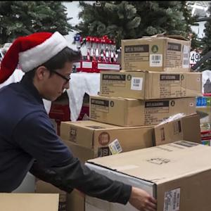 Wal-Mart rolls out online holiday deals early