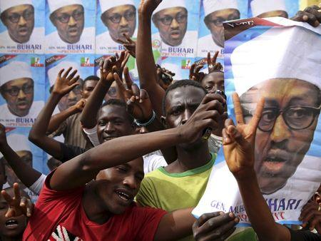 Nigerians vote in first genuine contest since end of dictatorship