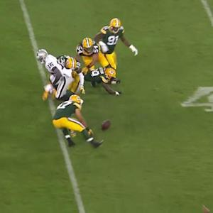 Oakland Raiders running back Kory Sheets fumble recovered by Green Bay Packers safety Chris Banjo