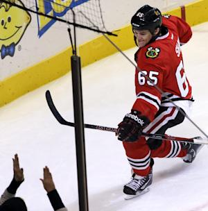 Shaw's OT goal lifts Blackhawks past Caps 4-3