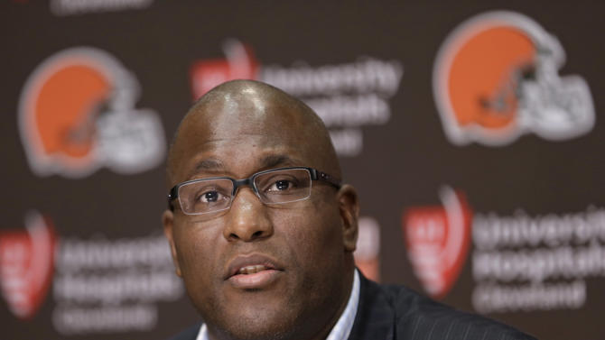 NFL suspends Browns GM 4 games for texting