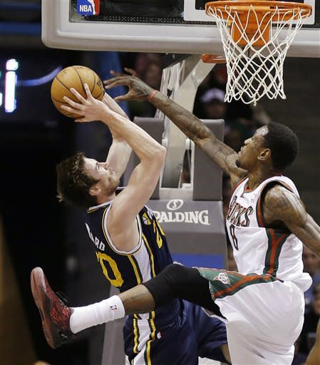 Ellis, Bucks beat Jazz 109-108 in overtime