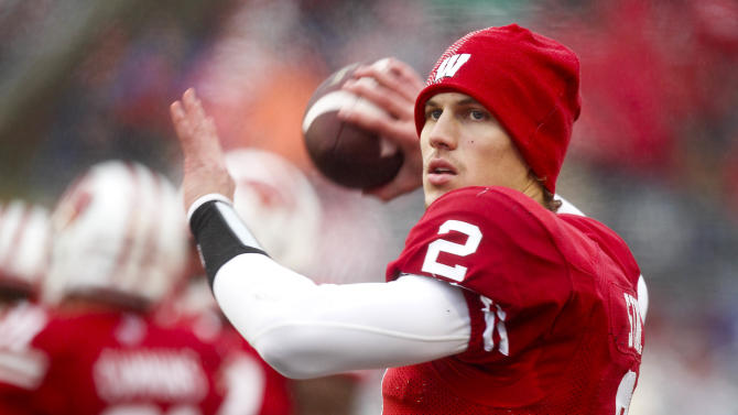 QB Stave limited for start of Badgers spring ball