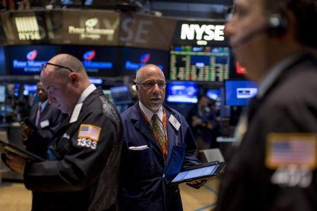 Wall St. moves lower as global growth worries resurface