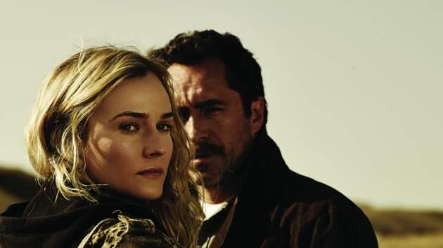 Diane Kruger as Sonya Cross, Demian Bichir as Marco Ruiz in 'The Bridge' -- FX