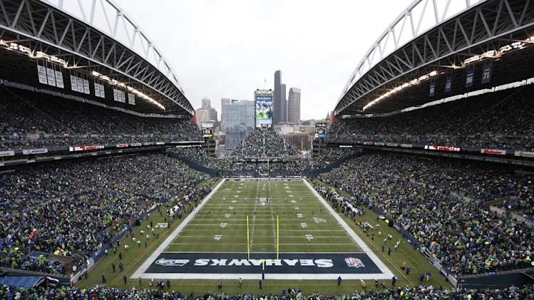 Beast quake: Seahawks fans rock stadium again