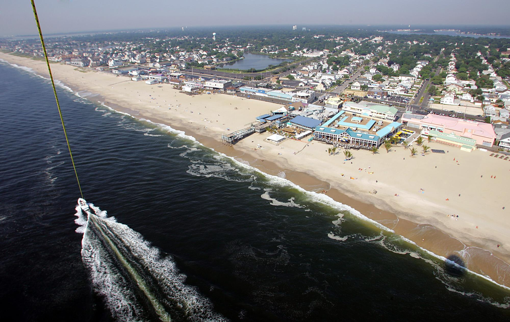 New Jersey beach owner sues over dune project