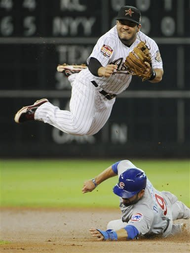 Astros hand Cubs 8th straight loss with 2-1 win