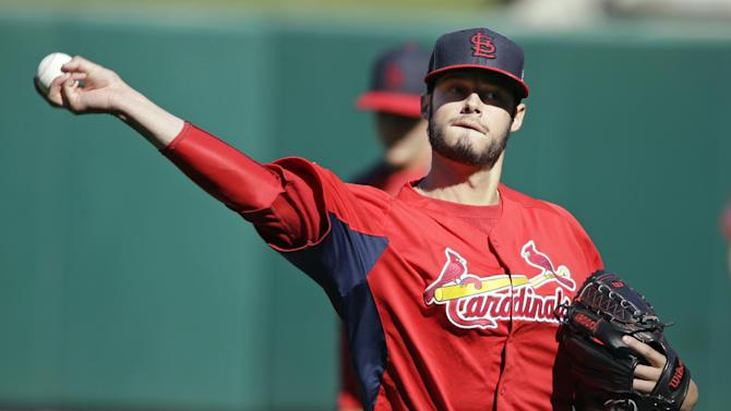 World Series scene shifts, Cards right at home