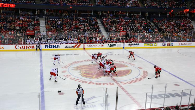 NHL: Columbus Blue Jackets at Calgary Flames