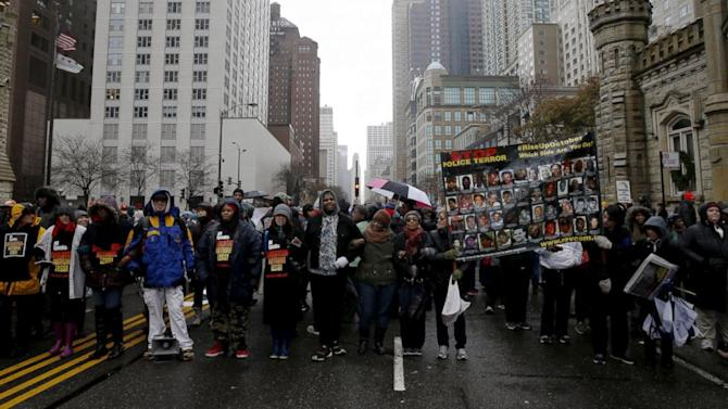Protesters March on Chicago's 'Magnificent Mile' to Call Attention to Police Brutality