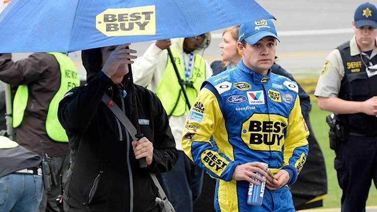 Stenhouse's topsy-turvy day ends on down note