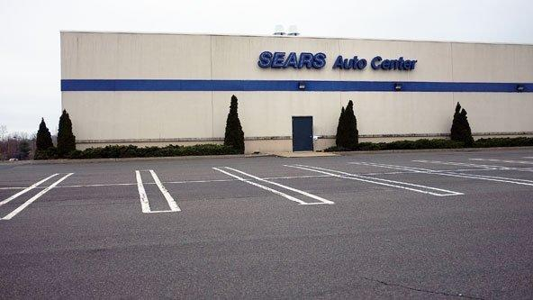 128-Year-Old Sears Looks to Buy Time for a Turnaround