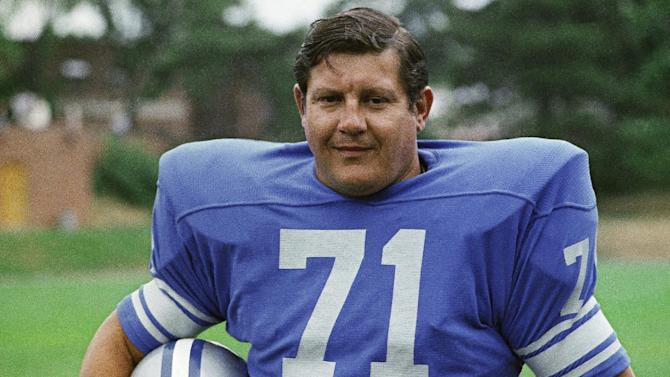 FILE - This 1971 file photo shows Detroit Lions' Alex Karras. The Detroit Free Press and Detroit News reported Monday, Oct. 8, 2012, that the former All-Pro defensive lineman and actor has kidney failure and has been given only a few days to live. Lions president Tom Lewand says the NFL football franchise is deeply saddened to learn of Karras' condition. (AP Photo/File)