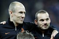 Wesley Sneijder hits out at Bayern Munich over Robben jeers