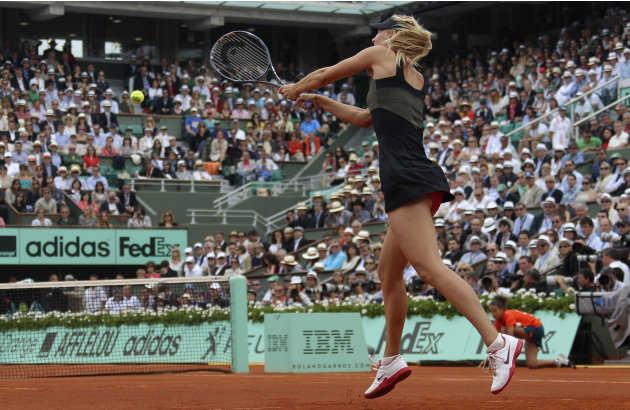 Maria Sharapova consigui el nico Grand Slam que le faltaba venciendo cmodamente en la final de Roland Garros a la sorprendente italiana Sara Errani, con un aplastante 6-3 y 6-2. Ya consolidada como