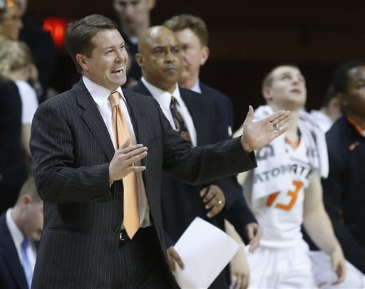 No. 13 Oklahoma State edges No. 9 K-State 76-70