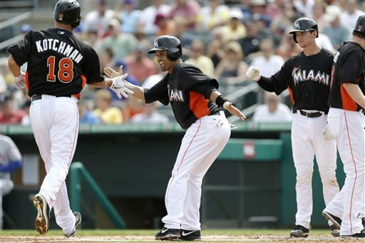 Stanton homer helps Marlins beat Mets 7-5
