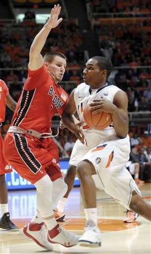 Griffey hits 3, Illinois beats Gardner-Webb 63-62