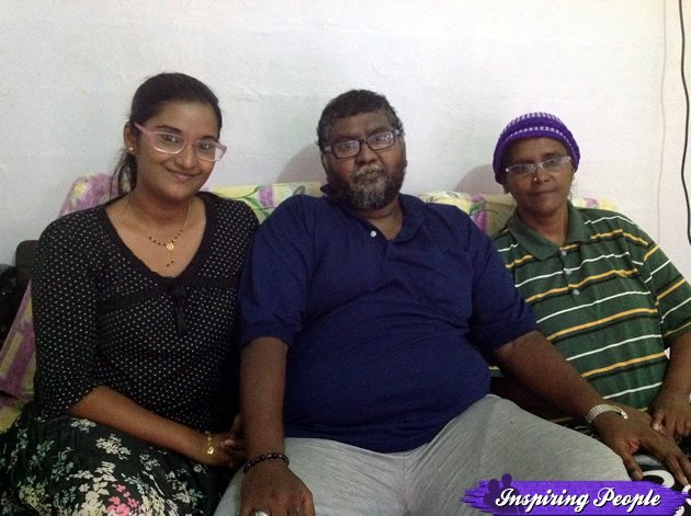 26-year-old Jasila Badardin at home with her parents. (Yahoo! photo)