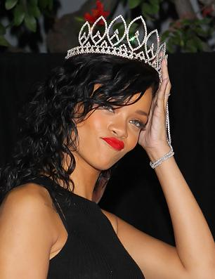 Rihanna Reteaming With Chris Brown, Eminem on 'Unapologetic' Album