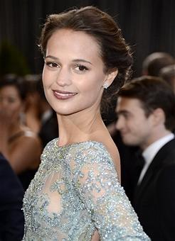 'Anna Karenina' Star Alicia Vikander in Talks to Play Robot in 'Ex Machina' (Exclusive)