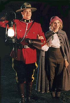 Brendan Fraser as Dudley Do-Right and Sarah Jessica Parker as Nell Fenwick in Universal's Dudley Do-Right